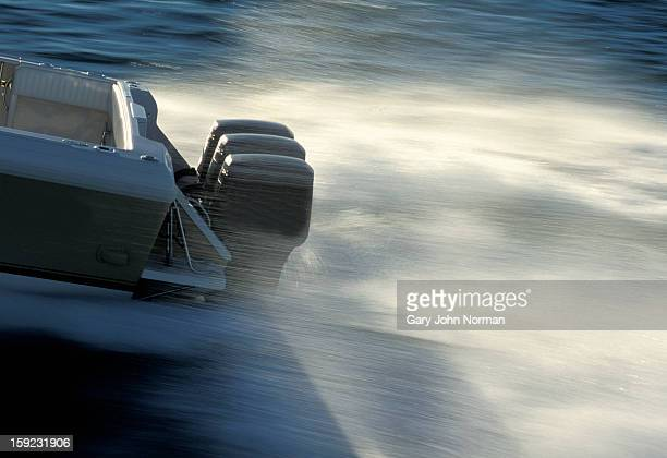 engines on speed boat