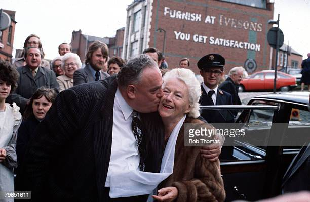 England, 15th September 1978, British politician and MP for Rochdale Cyril Smith is pictured kissing singer and entertainer Gracie Fields in their...