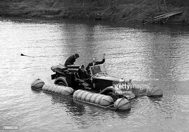 England 28th March 1931 The revolutionary Amphibian Riley car on the water of the River Severn after undergoing tests in Worcester England prior to...