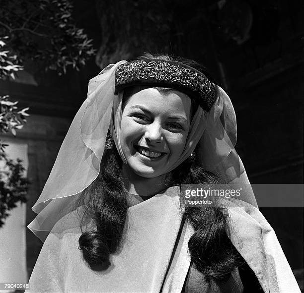 "England A portrait of British actress and ex waitress Joan Rice on the set of the film ""Robin Hood"""