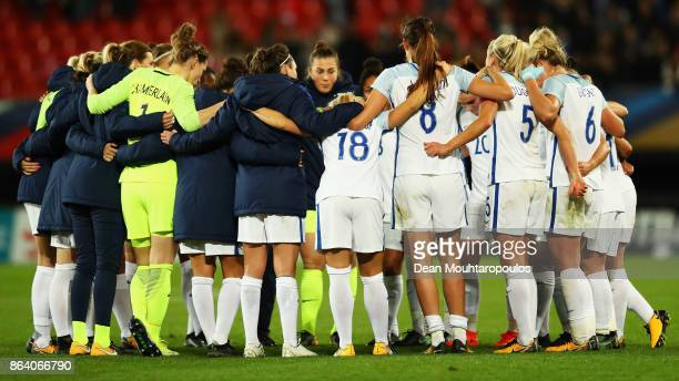 England are pictured after defeat in the International friendly match between France and England held at Stade du Hainaut on October 20 2017 in...
