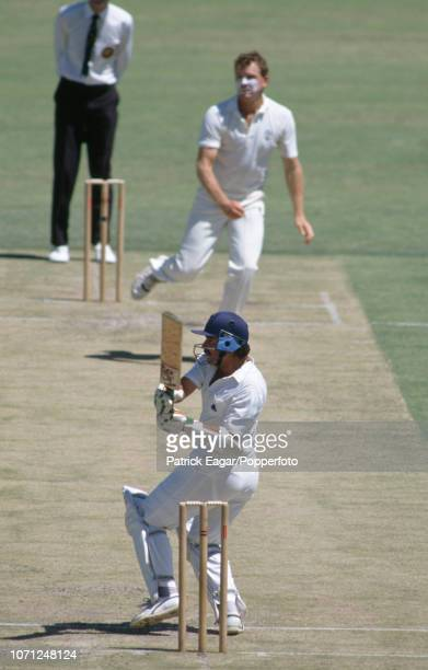 England batsman Allan Lamb pulls a delivery from Craig McDermott of Australia during the 5th Test match between Australia and England at the WACA...