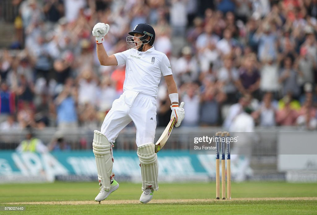 England v Pakistan: 2nd Investec Test - Day Two
