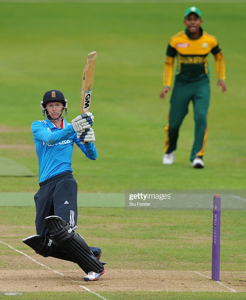 England U19's v South Africa U19's - ODI Series 2014 : News Photo