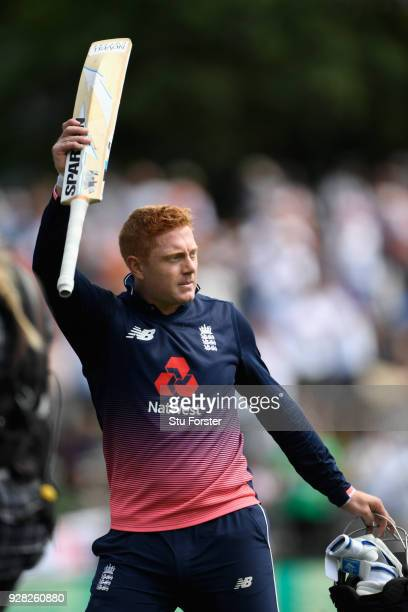 England batsman Jonny Bairstow acknowledges the applause after his innings of 138 during the 4th ODI between New Zealand and England at University of...