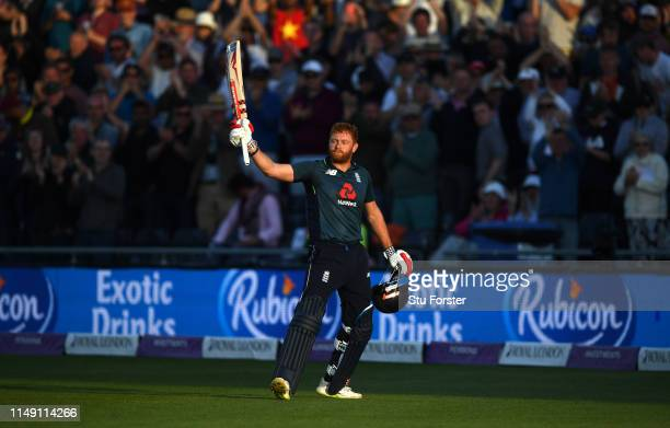 England batsman Jonny Bairstow acknowledges the crowd after his splendid dig of 128 during the 3rd Royal London ODI match between England and...