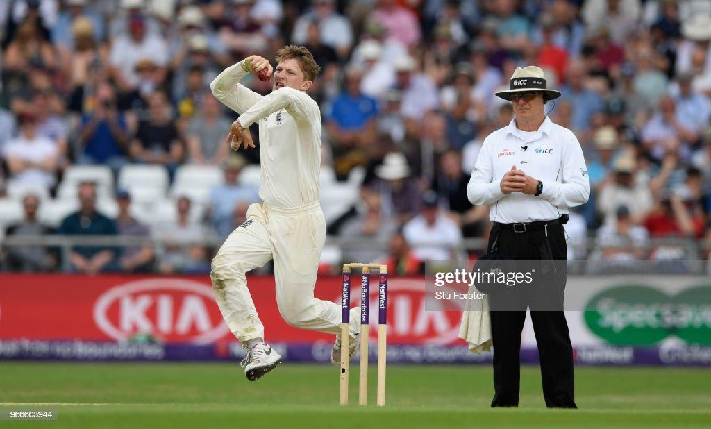 England v Pakistan: 2nd Test - Day Three : News Photo