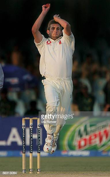 England bowler Liam Plunkett bowls during the Third Day of the Third and Final Test Match between Pakistan and England at The Gaddafi Stadium on...