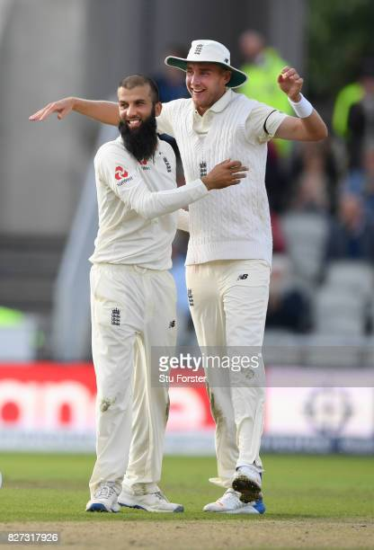 England bowler Moeen Ali is congratulated by Stuart Broad after taking the final South Africa wicket during day four of the 4th Investec Test match...