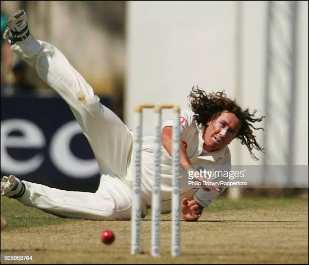 England bowler Ryan Sidebottom tries unsuccessfully to run out Sri Lankan batsman Kumar Sangakkara during the 1st Test match between Sri Lanka and...