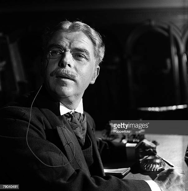England British actor Emlyn Williams is pictured in a scene from the film The Magic Box
