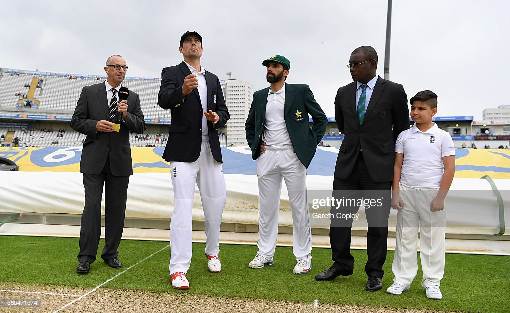 England v Pakistan: 3rd Investec Test - Day One : News Photo