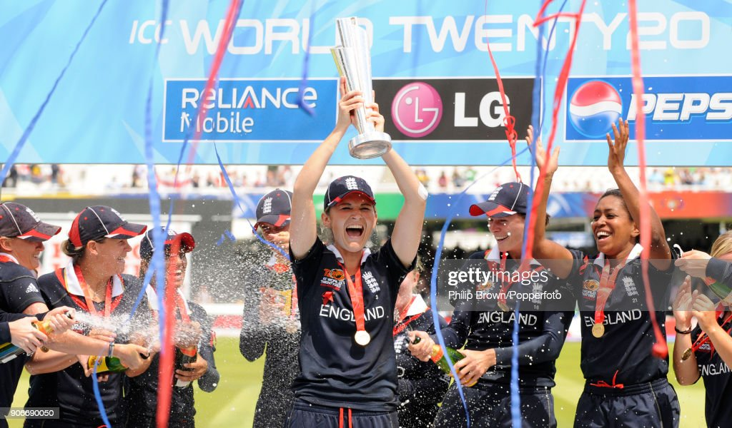 ICC Women's World Twenty20 FInal - England v New Zealand : News Photo