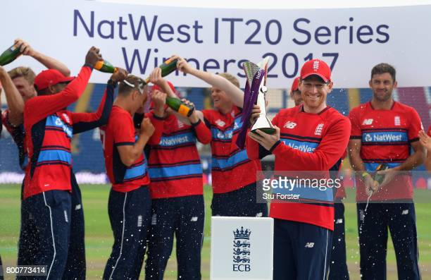 England captain Eoin Morgan and his team celebrate after the 3rd NatWest T20 International between England and South Africa at SWALEC Stadium on June...