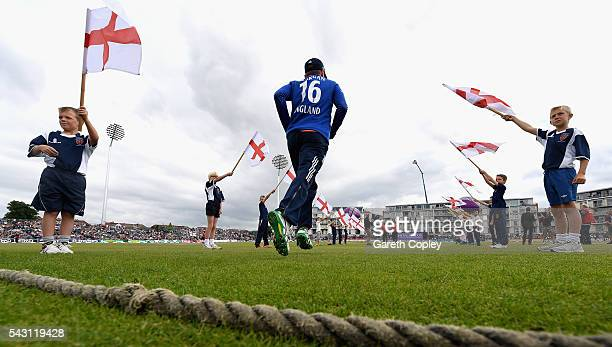 England captain Eoin Morgan runs out on to the field ahead of the 3rd ODI Royal London One Day International match between England and Sri Lanka at...