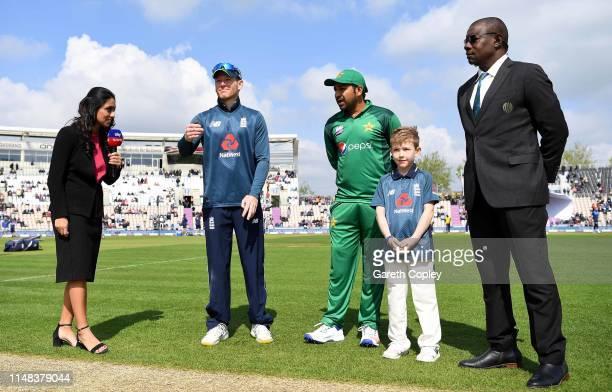 England captain Eoin Morgan tosses the coin alongside Pakistan captain Sarfaraz Ahmed ahead of the Second One Day International between England and...