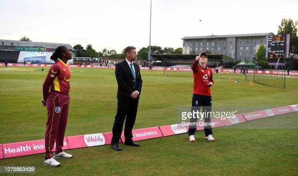 England captain Heather Knight tosses the coin alongside West Indies captain Stafanie Taylor and match referee Wayne Noon ahead of the 2nd Vitality...