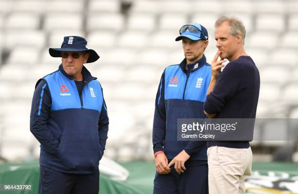 England captain Joe Root speaks coach Trevor Bayliss and Ed Smith during a nets session at Headingley on May 31 2018 in Leeds England