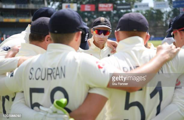 England captain Joe Root speaks to his team before Day Three of the Fourth Test between South Africa and England at Wanderers on January 26 2020 in...