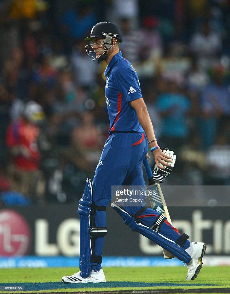 England captain Stuart Broad leaves the field after being dismissed by Ashok Dinda of India during the ICC World Twenty20 2012 Group A match between England and India at R. Premadasa Stadium on September 23, 2012 in Colombo, Sri Lanka.