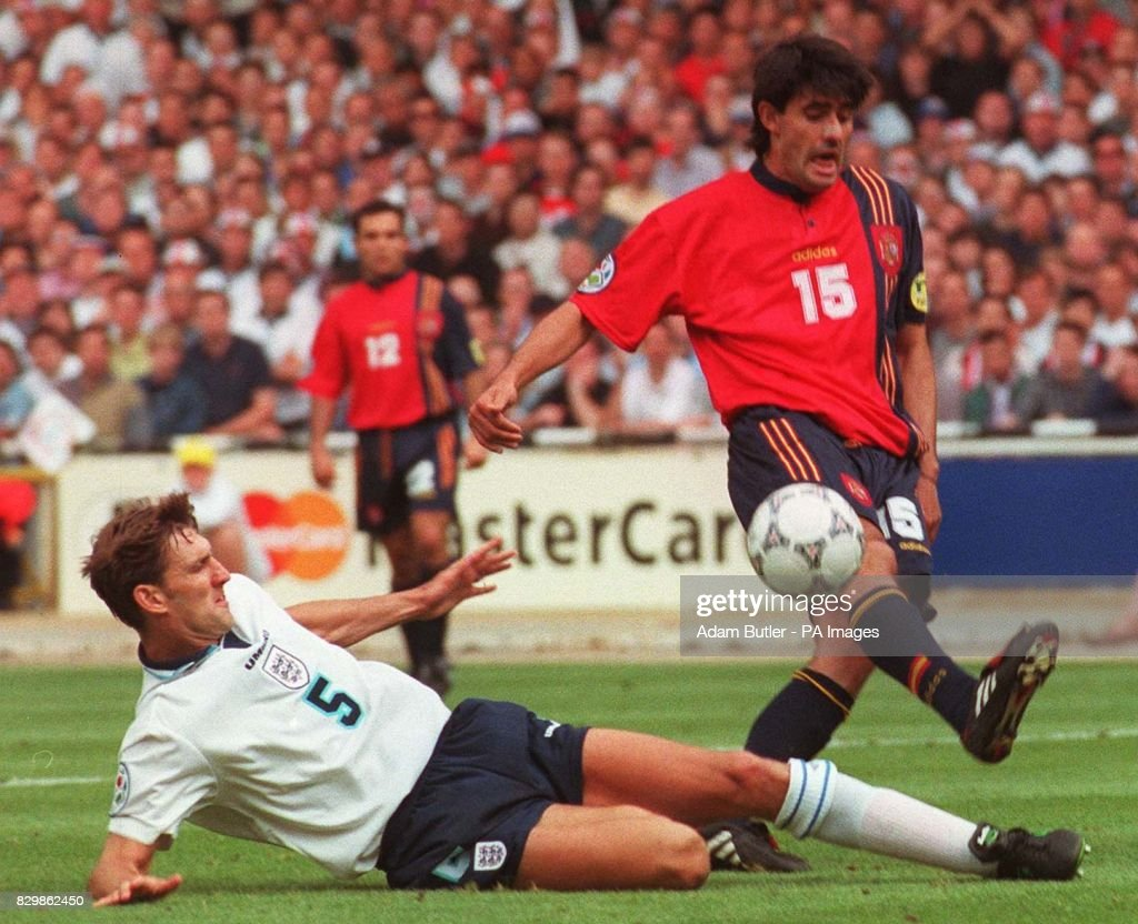 Euro 96 Adams & Caminero : News Photo