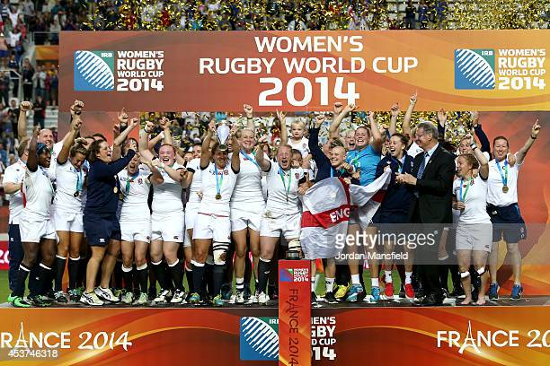 England celebrate after winning the IRB Women's Rugby World Cup 2014 Final between England and Canada at Stade Jean-Bouin on August 17, 2014 in...