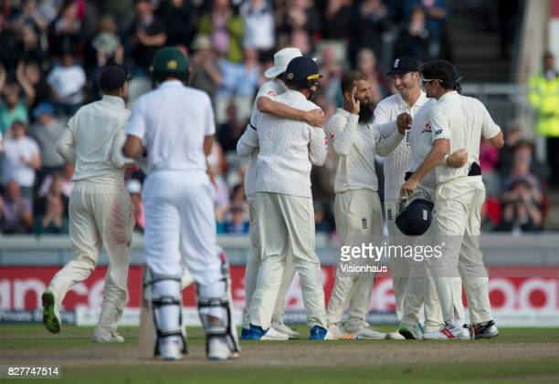 England celebrate winning the series between England and South Africa during the fourth day of the fourth test at Old Trafford on August 7 2017 in...