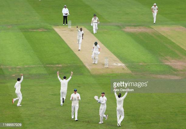England celebrates the wicket of Marcus Harris of Australia bowled by Jofra Archer and caught by Jonny Bairstow during Day One of the 3rd Specsavers...