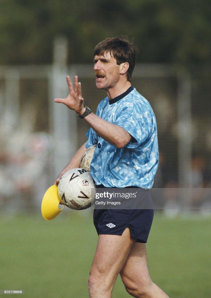 Steve Harrison England Coach 1991 : News Photo