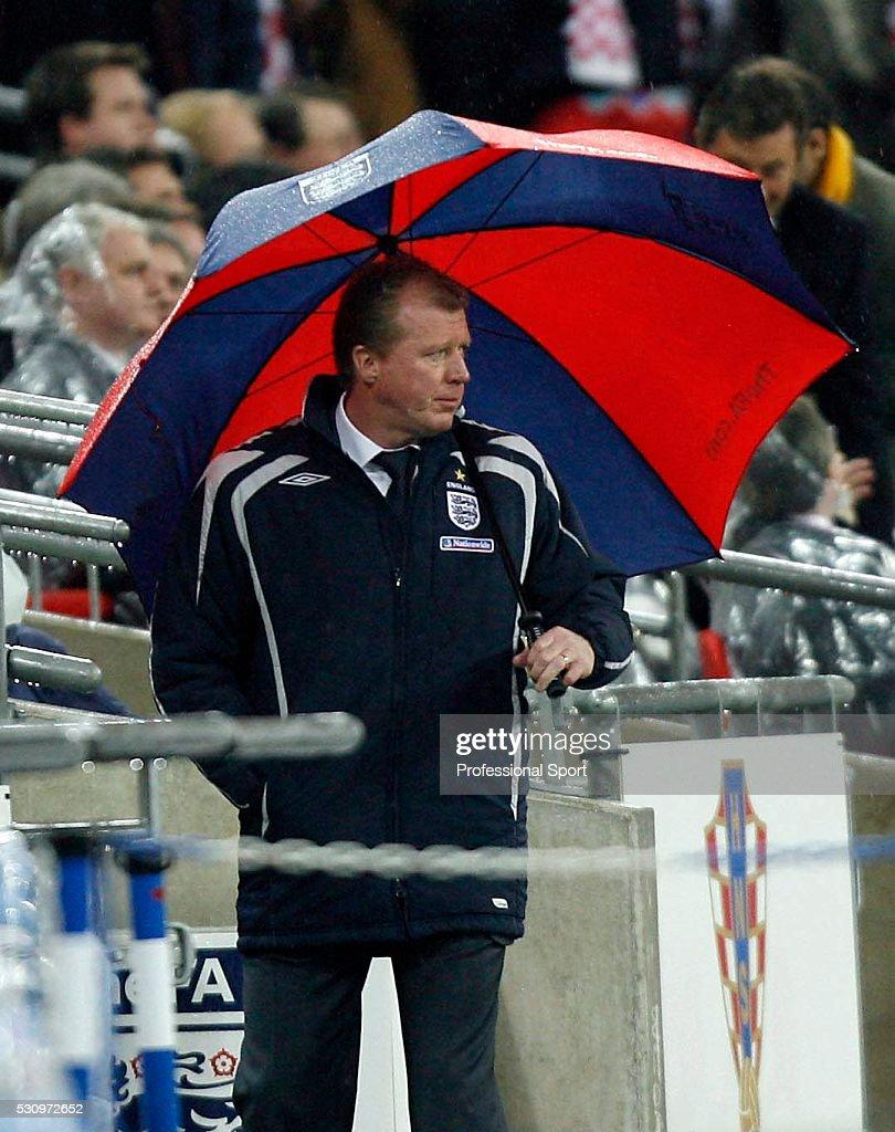 England v Croatia  - Euro2008 Qualifying Match : News Photo