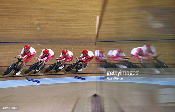England compete during the Men's 4000m Team Pursuit Qualifying at Sir Chris Hoy Velodrome during day one of the Glasgow 2014 Commonwealth Games on...