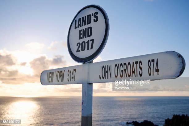 UK, England, Cornwall, Land's End, Signpost