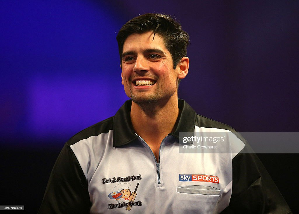 2015 William Hill PDC World Darts Championships - Day Five : News Photo