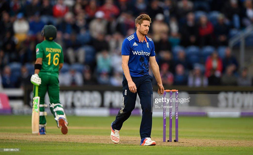 England v Pakistan - 5th One Day International : News Photo