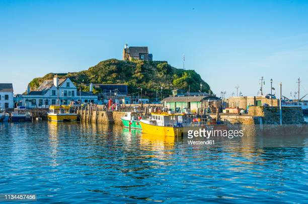 uk, england, devon, boat harbour of ilfracombe - ilfracombe stock pictures, royalty-free photos & images