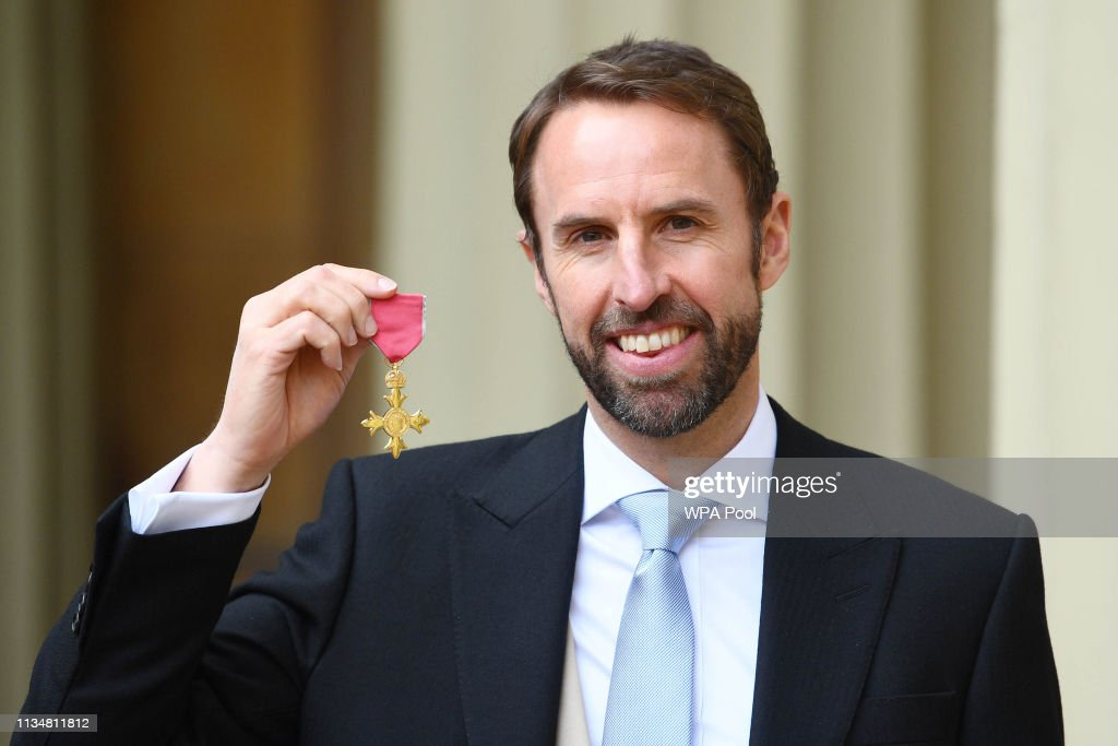 Investitures at Buckingham Palace : News Photo