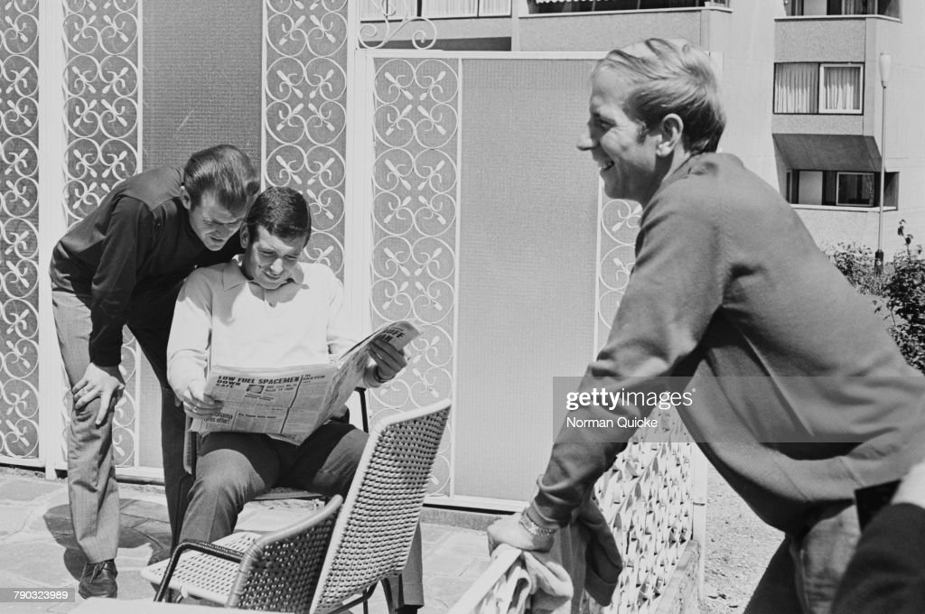 Connelly, Paine And Charlton : News Photo