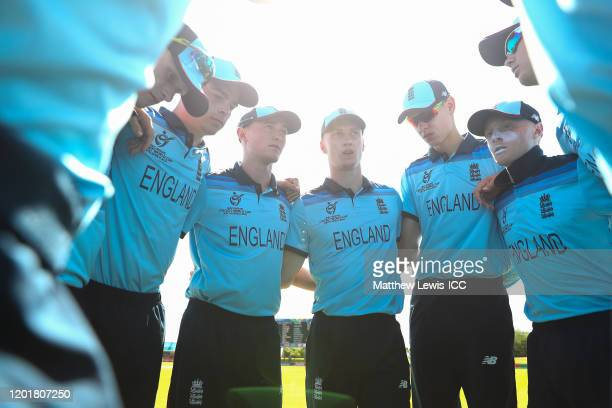 England gather ahead of the ICC U19 Cricket World Cup Group B match between England and Nigeria at De Beers Diamond Oval on January 25 2020 in...