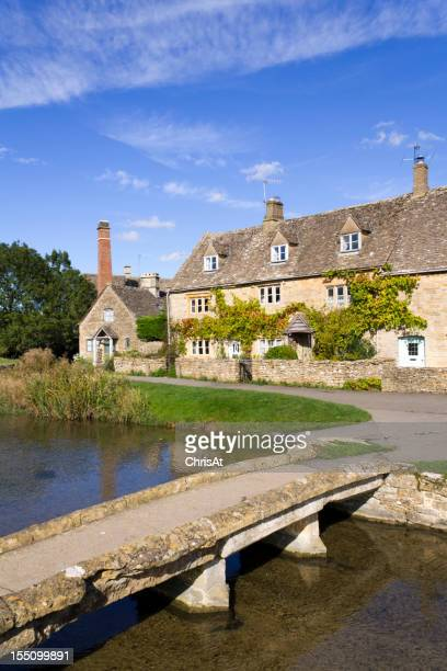 England, Gloucestershire, Cotswolds, idyllic old cottages at Lower Slaughter
