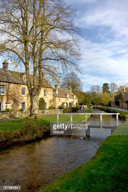 England, Gloucestershire, Cotswolds, Lower Slaughter, autumn, riverside cotswold stone cottages