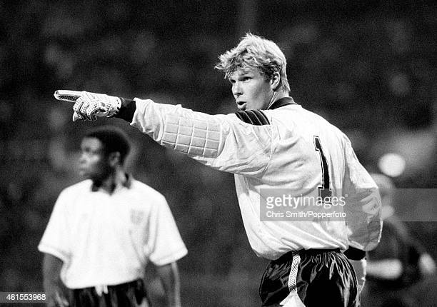 England goalkeeper Chris Woods during the friendly International between England and Germany at Wembley Stadium in London, 11th September 1991....