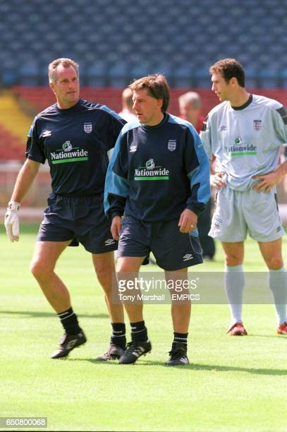 Peter Beardsley Pictures and Photos - Getty Images