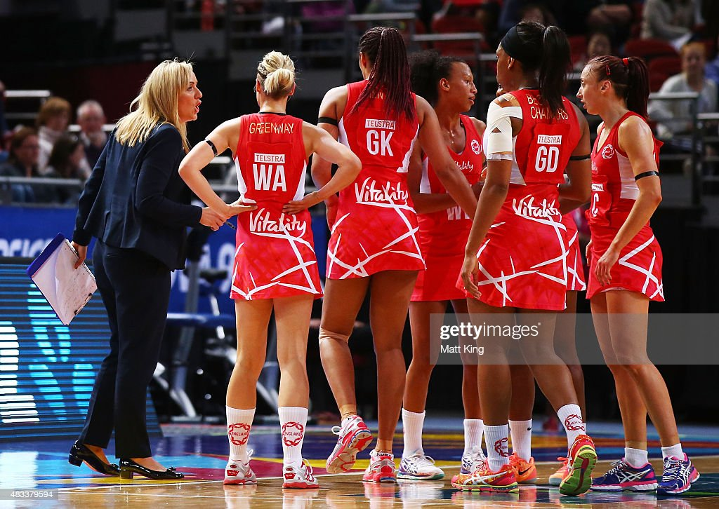 England head coach Tracey Neville speaks to her players during the 2015 Netball World Cup match between England and Jamaica at Allphones Arena on August 8, 2015 in Sydney, Australia.