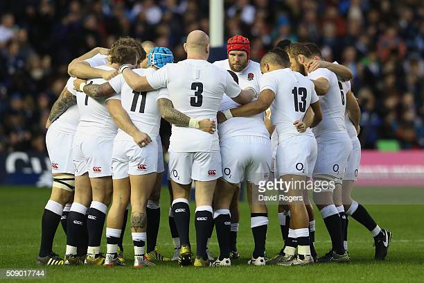 England huddle during the RBS Six Nations match between Scotland and England at Murrayfield Stadium on February 6 2016 in Edinburgh Scotland