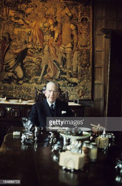 England in January 1973 billionaire J Paul Getty home his castle in the sixteenth century Sulton Palace 40 km from London He dined alone at this...