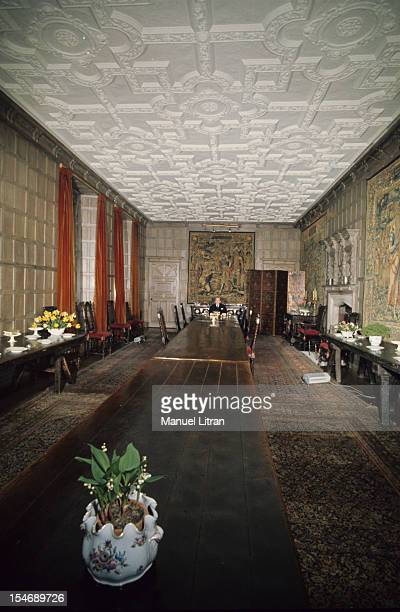 England in January 1973 billionaire Paul GETTY home his castle in the sixteenth century Sulton Palace 40 km from London He dined alone at this table...