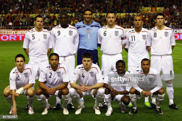 England line up for the International Friendly between Spain and England at the Ramon Sanchez Pizjuan Stadium on February 11 2009 in Seville Spain
