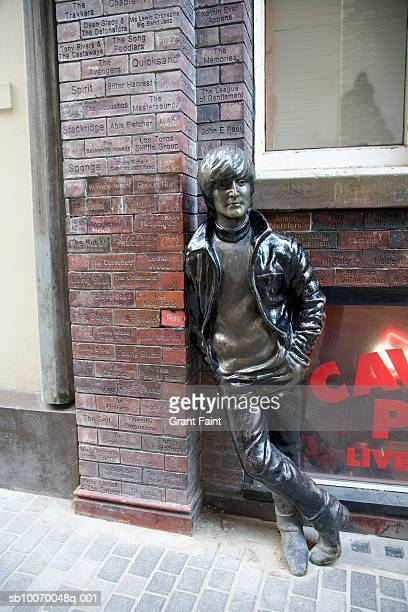 uk, england, liverpool, john lennon statue near cavern nightclub - monument stock pictures, royalty-free photos & images