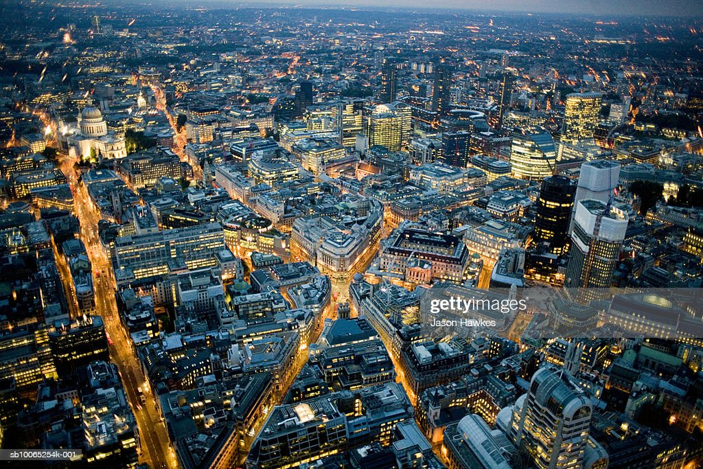 England, London, Cityscape at night, aerial view : Foto stock