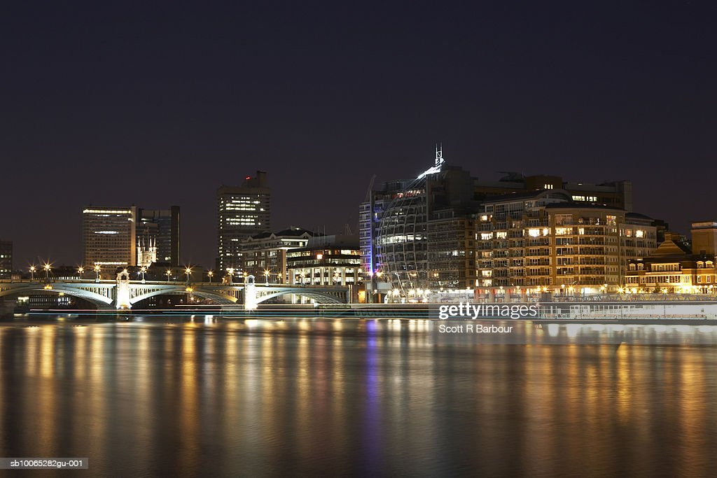 England, London. Cityscape from Millennium Bridge. : Foto stock